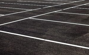 line stripes on parking lot
